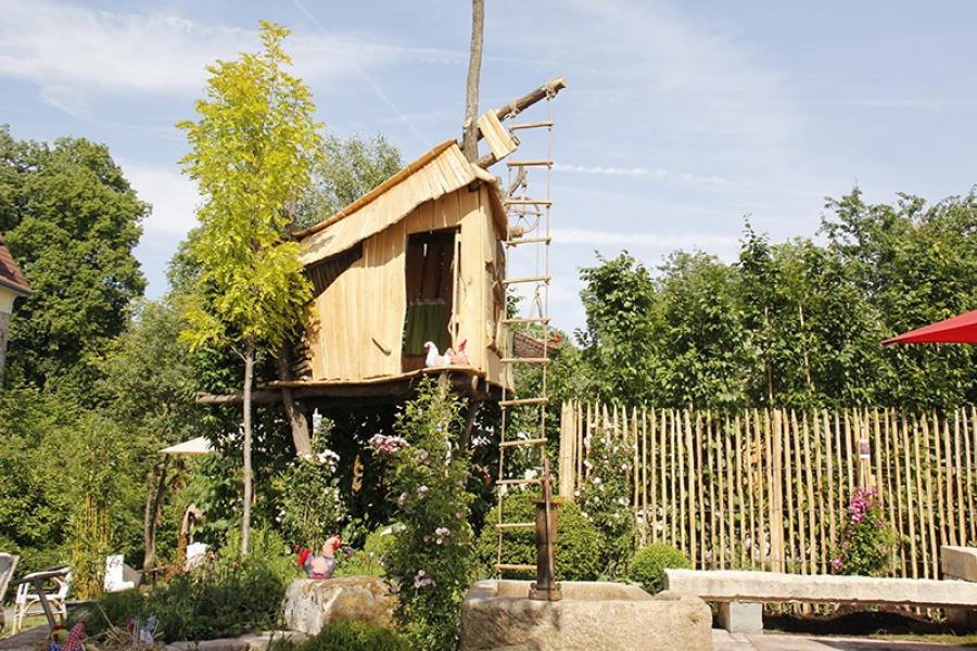 gardenlife. Black Bedroom Furniture Sets. Home Design Ideas