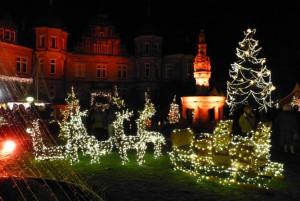 Weihnachtszauber Bückeburg: Illuminiertes Schloss