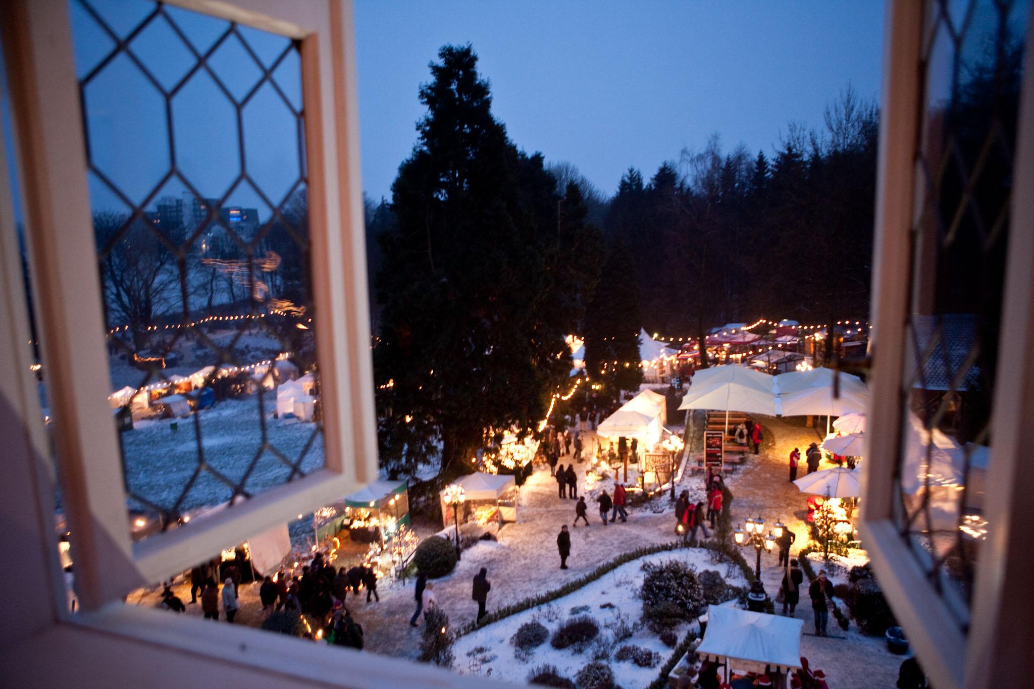 romantischer weihnachtsmarkt schloss gr newald 4 advent. Black Bedroom Furniture Sets. Home Design Ideas
