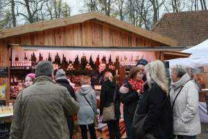 Winterzauber erlebt man z.B. beim Emkendorfer Adventsmarkt