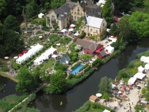 Auch ein Rosengarten gehört zu Schloss Ippenburg