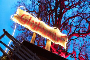 Einen ersten Glühwein beim Winterzauber Dalheim?